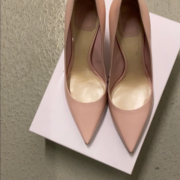 Dior Pink patent leather pumps